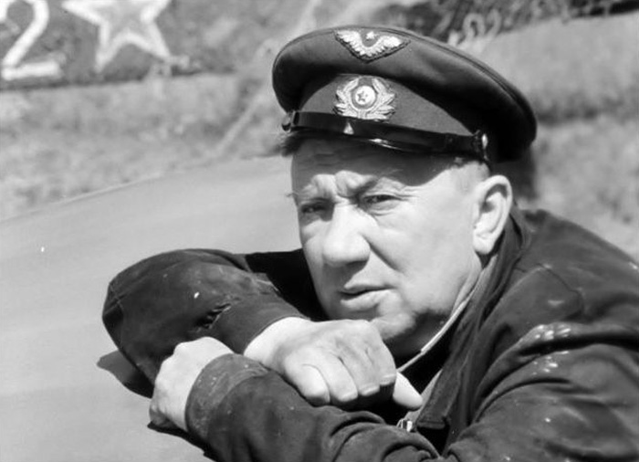 Известный актер - Герой войны (8 фото + текст)