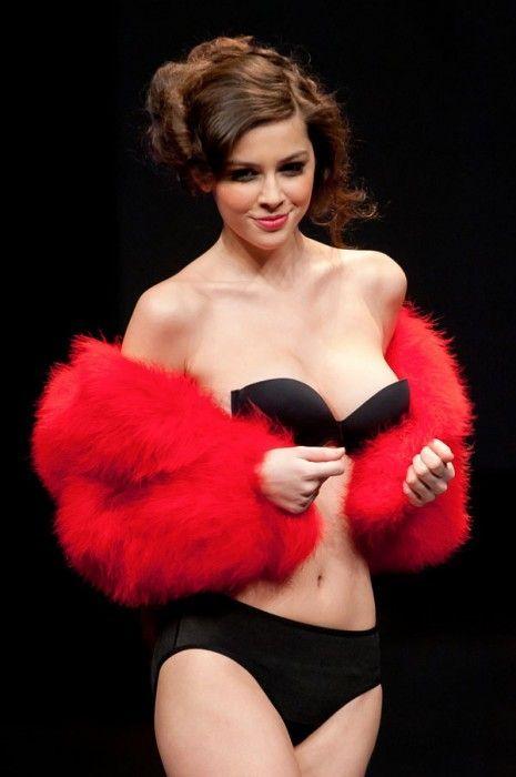 Очаровательная модель - Мадалина Пика (12 фото)