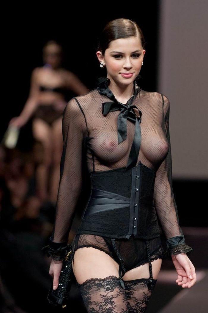 модели фото в прозрачных одеждах эротика