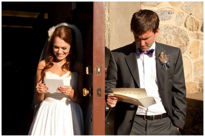 Реакция молодоженов на любовные письма (3 фото)