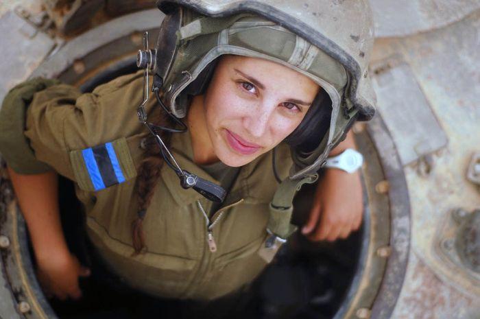 Отважные девушки армии Израиля (29 фото)