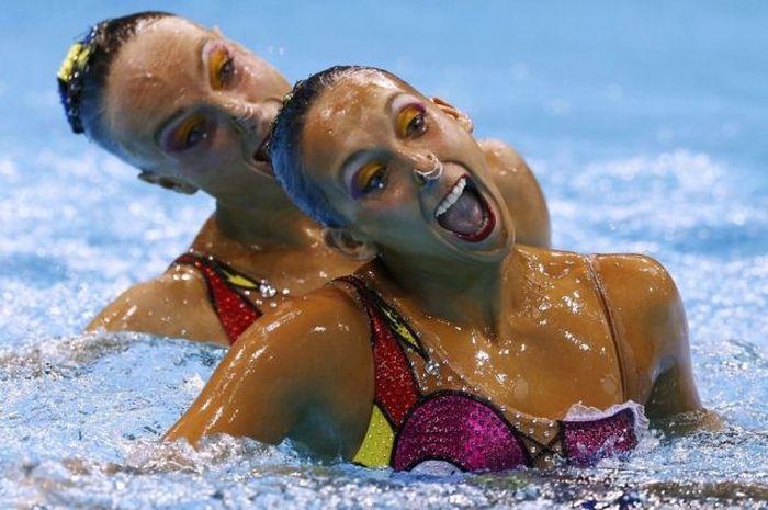 Забавные лица спортсменок синхронного плавания (43 фото)