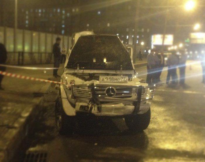 Очень жесткая авария на Кутузовском проспекте (9 фото)
