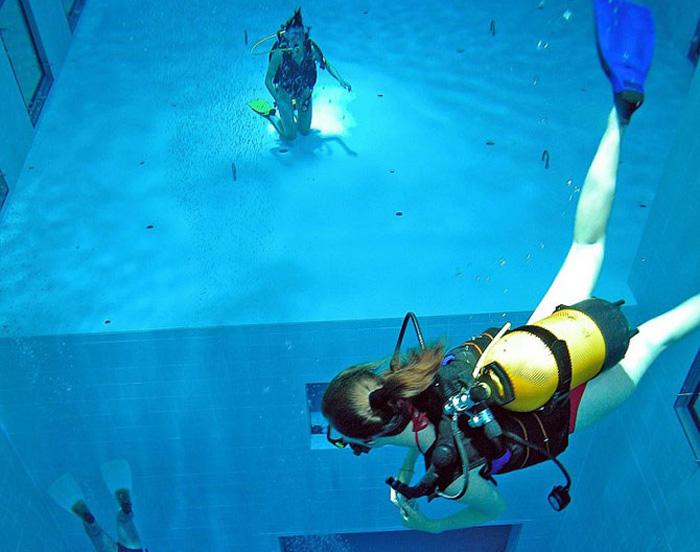 Самый глубокий бассейн в мире (11 фото)