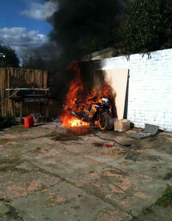накрасить в ленинском районе сгорел мотоциклист фото словам