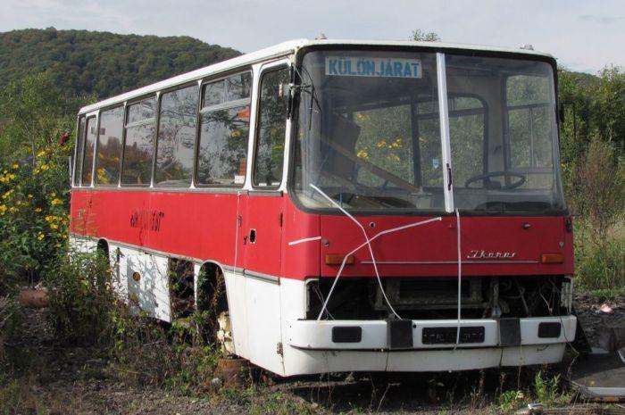 Рабочее место из кабины автобуса (12 фото)