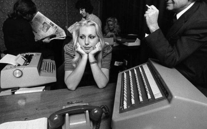 Ретро-снимки секретарш (35 фото)