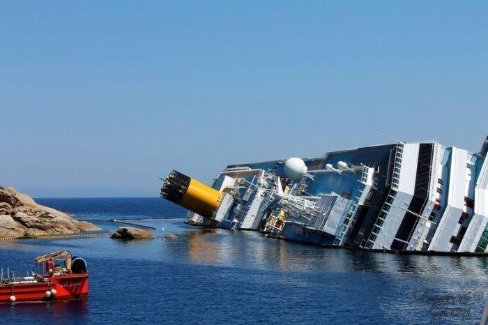 Экскурсии на затонувший лайнер Коста Конкордия (8 фото)