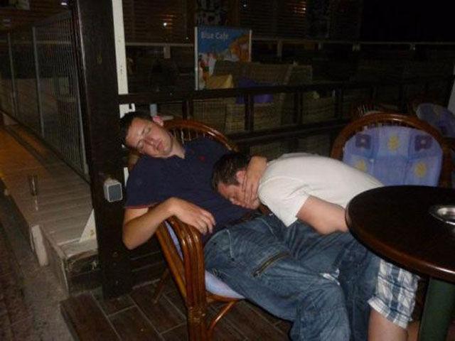Приколы с пьяными людьми (49 фото)