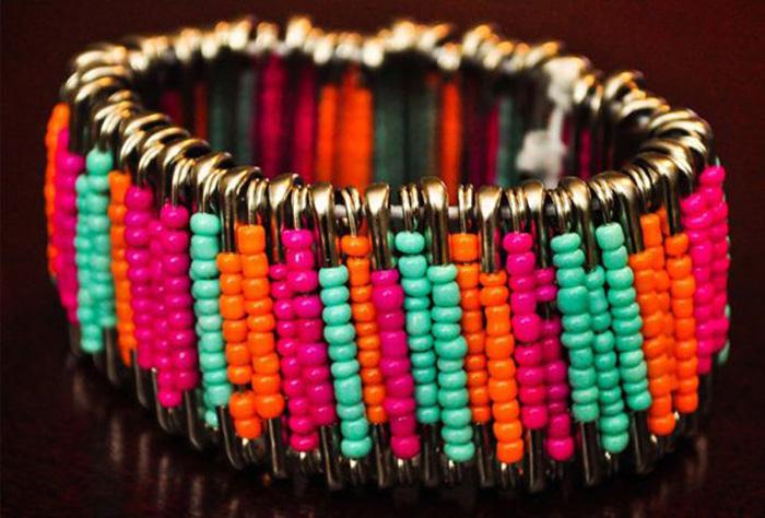 Стильные браслеты из подручных материалов