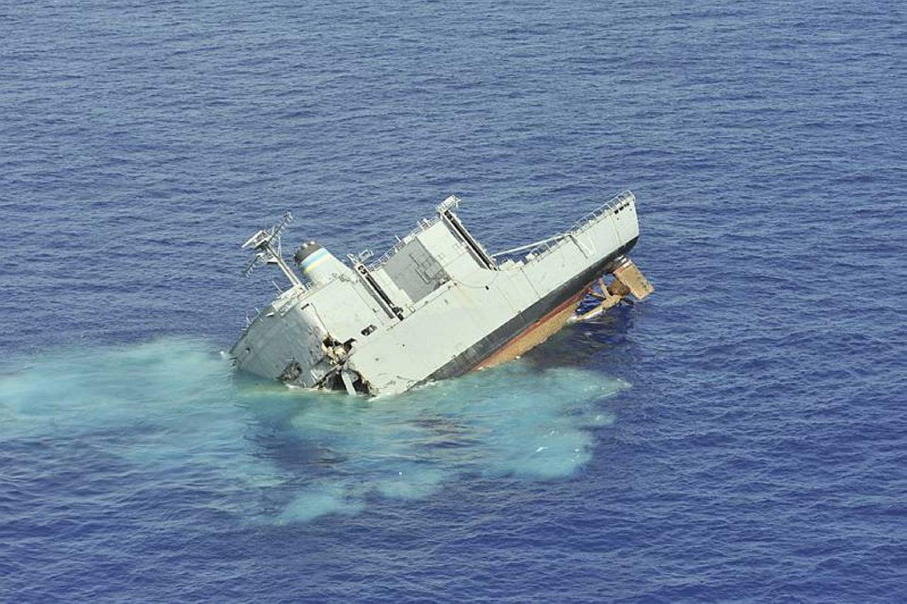Руль у корабля фото