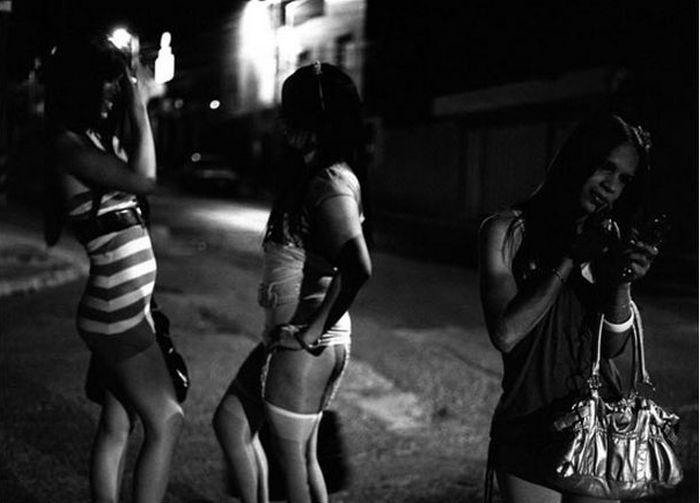 Любопытные факты о проституции в прошлом (3 фото)