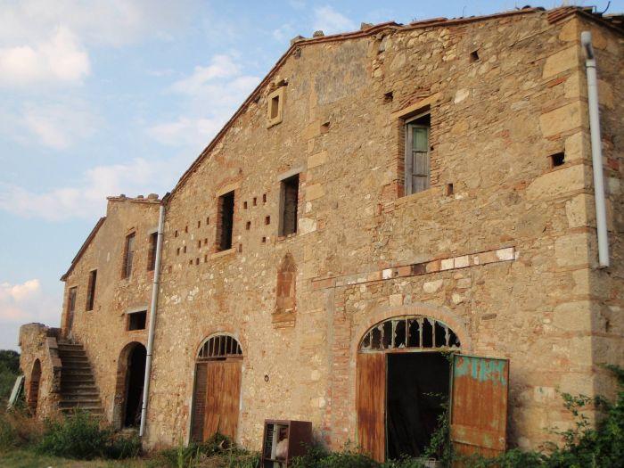 Подборка заброшенных, забытых хозяевами строений