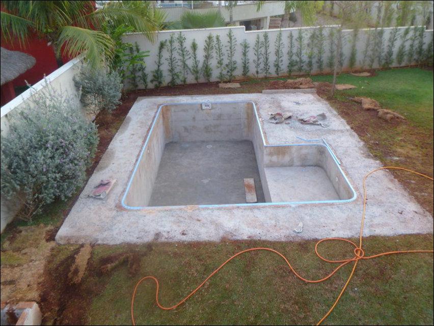 Как сделать бассейн на даче своими руками из кирпича