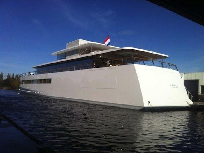 Шикарная яхта по проекту Стива Джобса