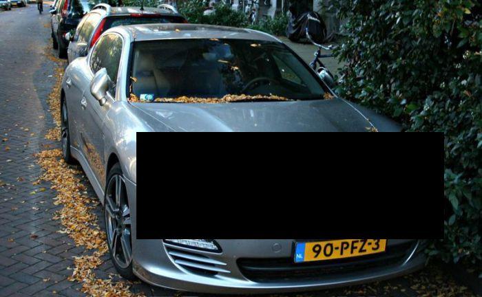 В Амстердаме пострадали дорогостоящие Porsche Panamera и Cayenne