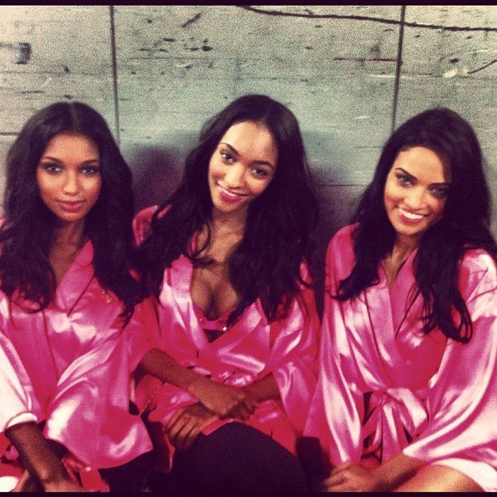 Очаровательные девушки Victoria's Secret за кулисами