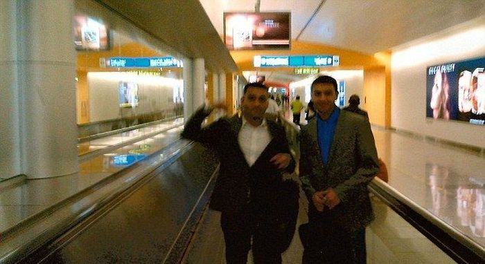 Эти ребята заслуживают звание самых тупых контрабандистов 2012 года