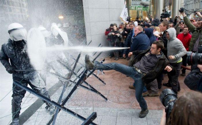 Полицейские в Брюсселе стали жертвами милкинга