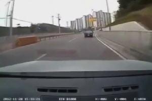 Такое мог сделать только полный идиот за рулем