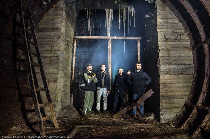 Увлекательная прогулка по заброшенному подземному бункеру