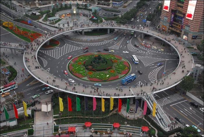 Мост для пешеходов в Китае (6 фото)