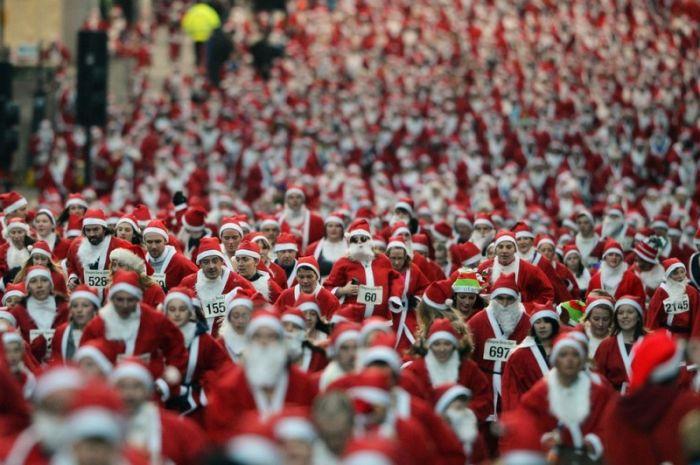 Ежегодный забег Санта Клаусов