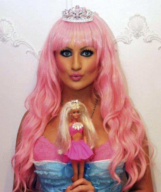 Шарлотта Пул - девушка Барби (25 фото)