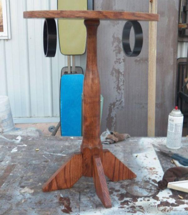 Загадочный стол со странными кольцами