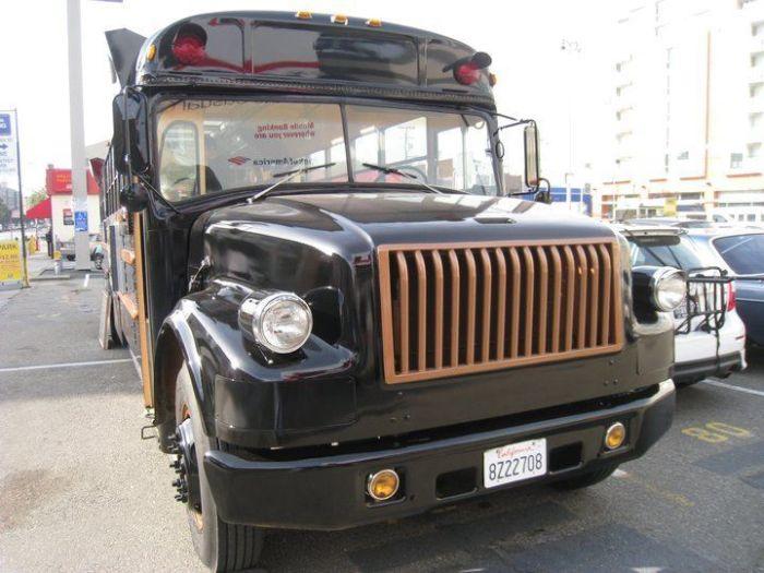 Креативная переделка старого школьного автобуса