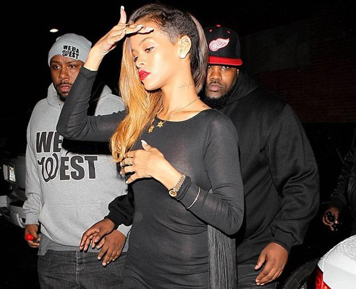 Рианна (Rihanna) что в платье, что без него!
