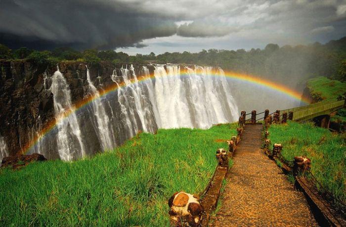 Радуга над самым большим водопадом в мире (24 фото)