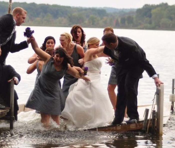 Свадебные фотобомбы (65 фото)