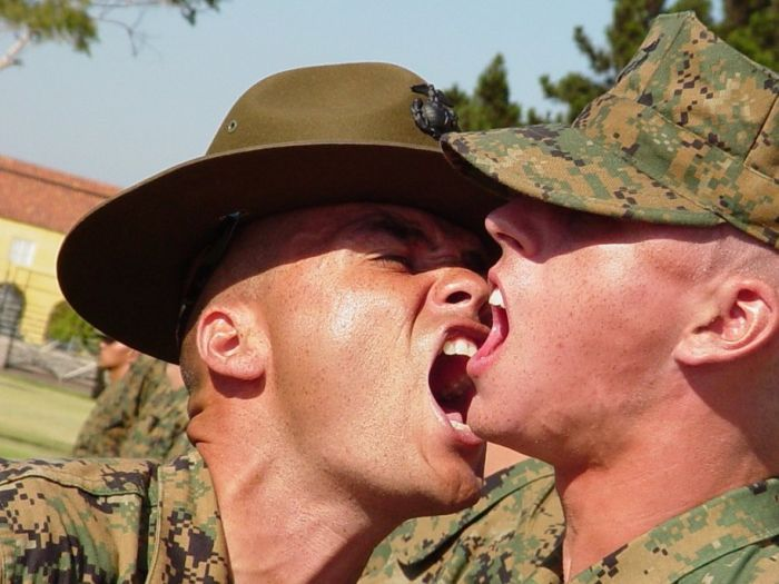 Как работают инструкторы корпуса морской пехоты США