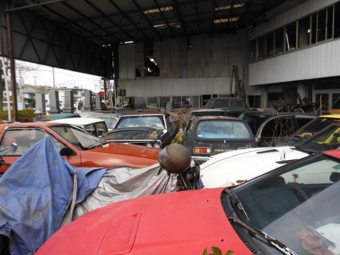 Японское кладбище раритетных и обычных автомобилей