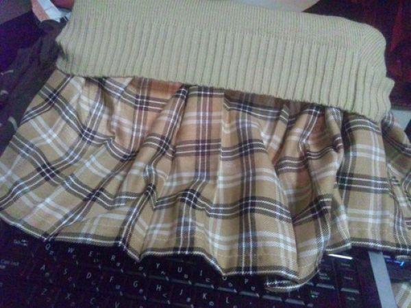 Как заглянуть девушке под юбку
