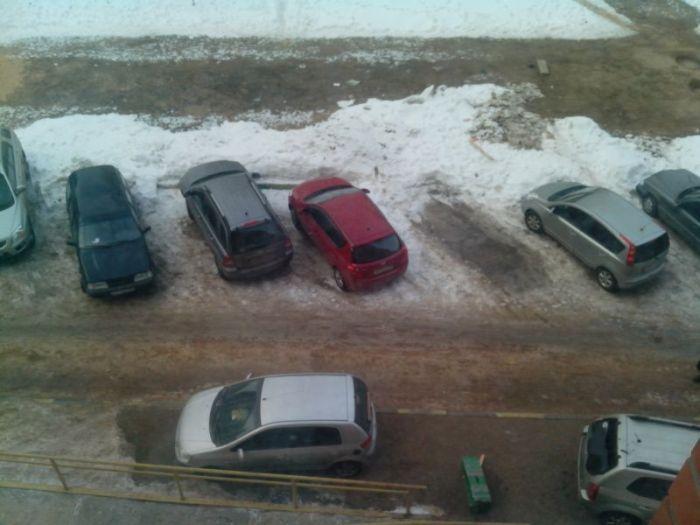 Соседи жестко наказали за неправильную парковку