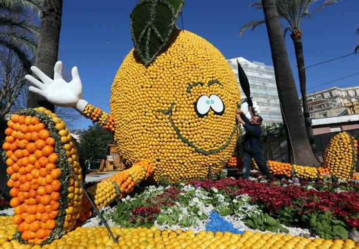 Знаменитый юбилейный фестиваль лимонов в Ментоне