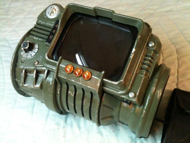 Действующий пип бой 3000 из fallout