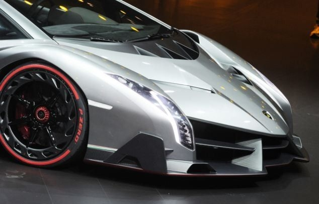Эксклюзивный суперкар Veneno