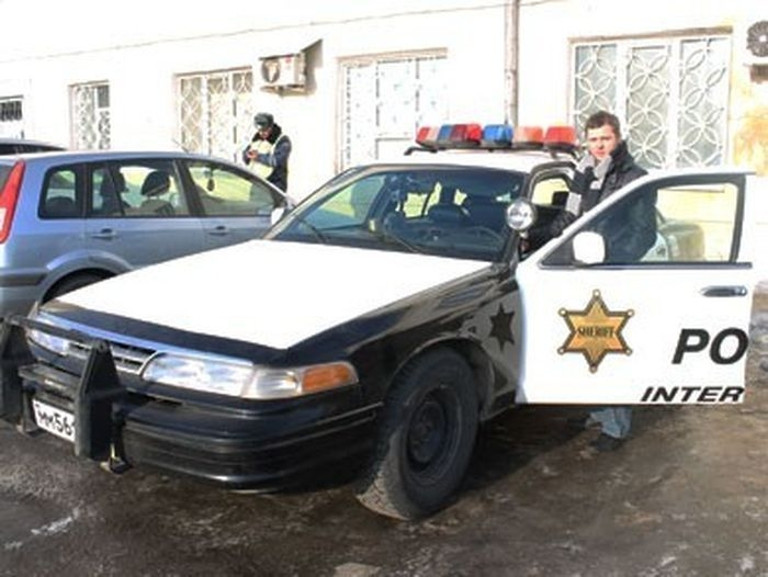Американский полицейский автомобиль в Туле