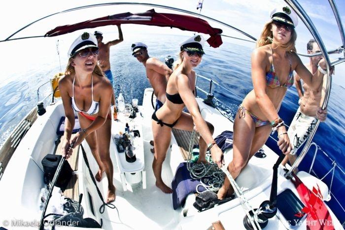 Отличная «Неделя яхт» с шикарными девушками