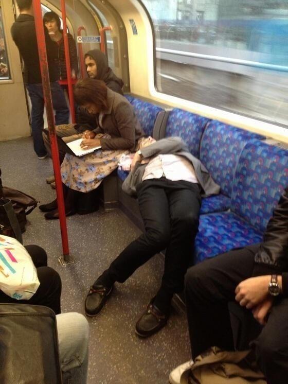 Спящие в транспорте фото фото 664-272