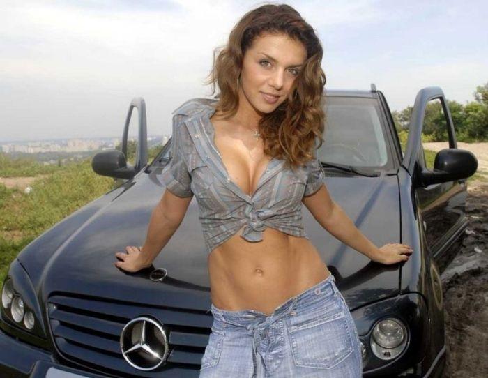 Красивые девушки и крутые автомобили
