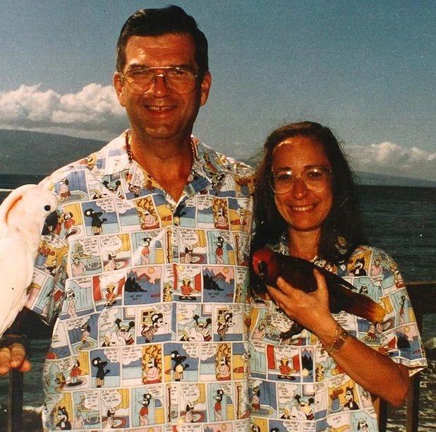 Супружеская пара в одинаковой одежде
