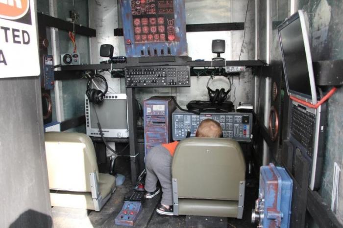 Эмулятор космического корабля для сына