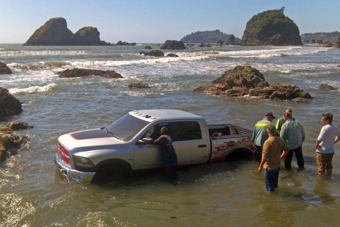 Фотосессия заряженного пикапа Dodge