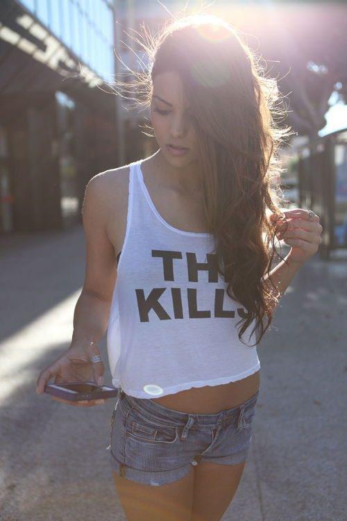 Симпатичные девушки в коротких шортиках