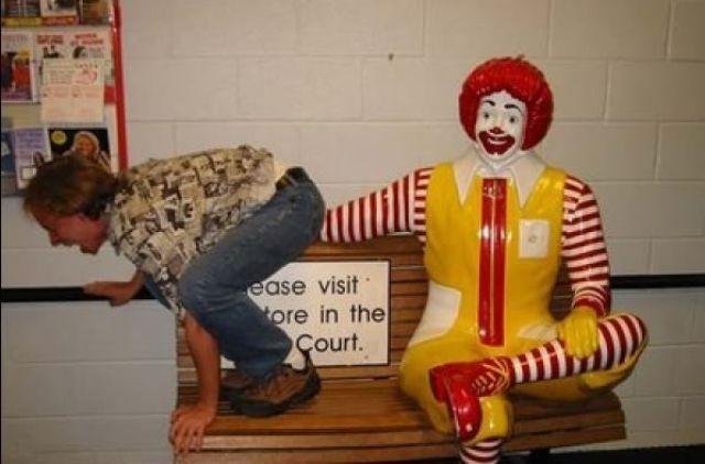 Подборка странных вещей, замеченных в Макдональдсе