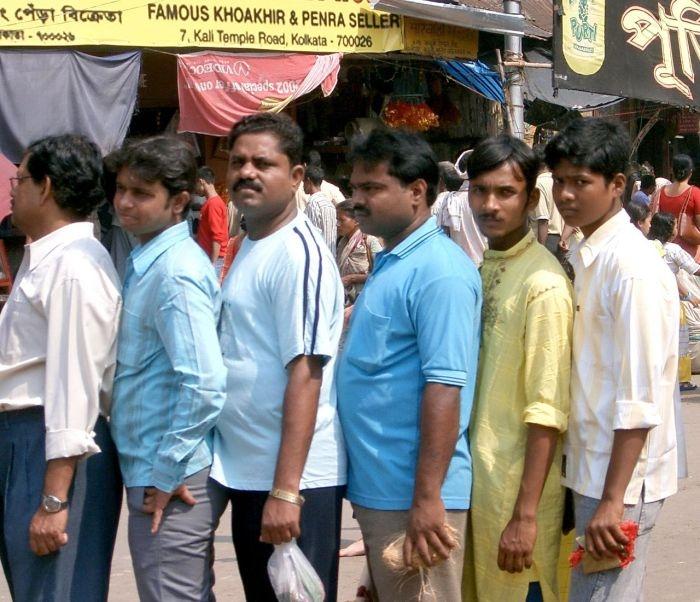 Очередь в Индии или как борятся с наглецами